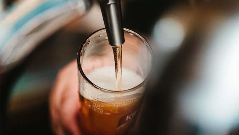 UURING: enamikul eestlastel on sõnavabadusest suva, peaasi, et õlle hinda langetatakse