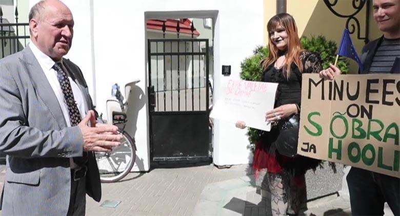 HARRI KINGO: HÄIRE – See meesprostituudist transvestiit ja transseksuaal
