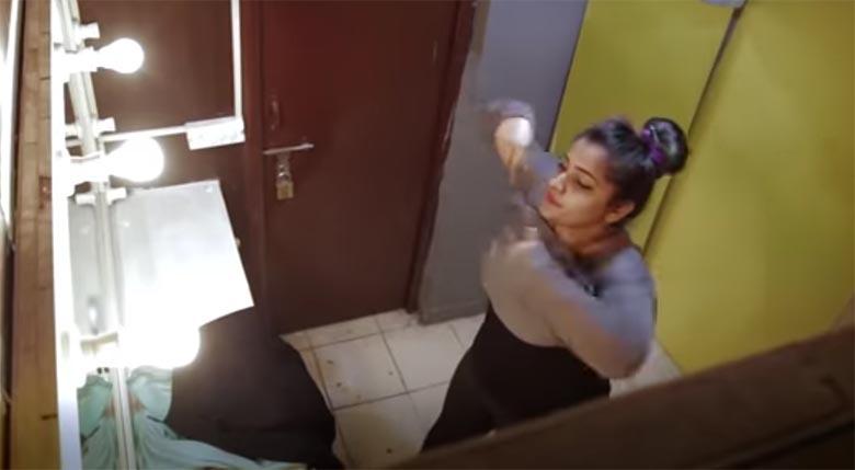 VIDEO: Keegi on pannud naiste riietusruumi salakaamera