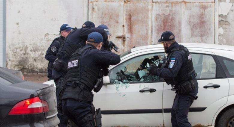 SUUR politseioperatsioon - Tallinnas Telliskivi tänaval tulistati kahte taksojuhti. Käivitatud on suuremahuline politseioperatsioon tulistaja tabamiseks.