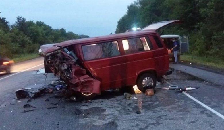 Raskes avariis hukkus 9 inimest. Pääses vaid kümneaastane tüdruk