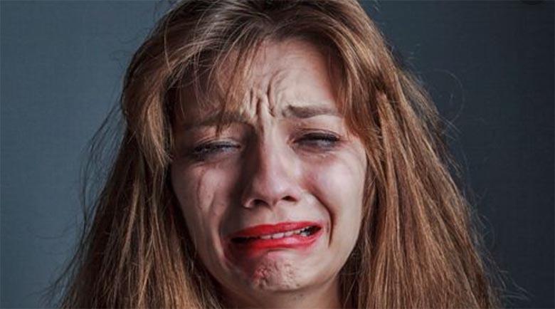 Enesekaitseks vägistajat pussitanud naine arreteeriti ja talle esitati mõrvasüüdistus