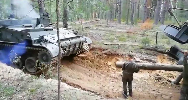 VIDEO: Vene sõjaväes juhtus üks võigas õnnetus - nõrganärvilistele keelatud