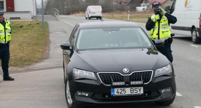 Riik hakkab toetust maksma neile autoomanikele, kelle autod sarnanevad politsei omadega