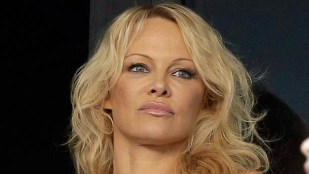 KUUM FOTO: NONII - Pamela Anderson näitab endast paljastavat fotot ning tõestab, et on vormis ka 52-aaastasena