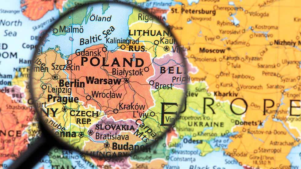 Poola lapsevanemad kaitsevad oma lapsi väärastunud kooliõppe eest