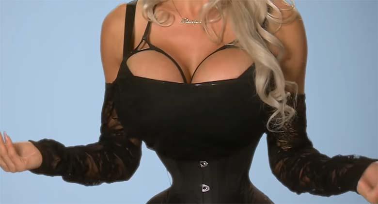 VIDEO: APPI, võib pooleks murduda! See naine on eemaldanud ribid, et peenem välja näha - ja nüüd soovib ta teha ...