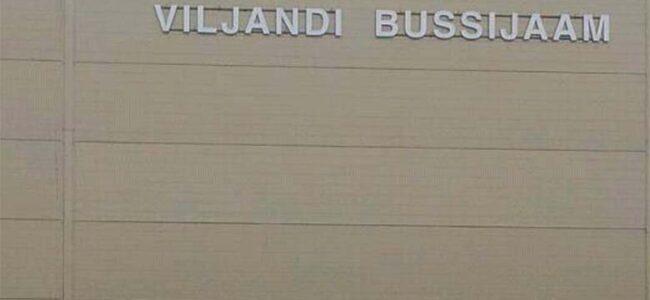 FOTO: HAHA – vaata, mis Viljandi bussijaamas toimub…