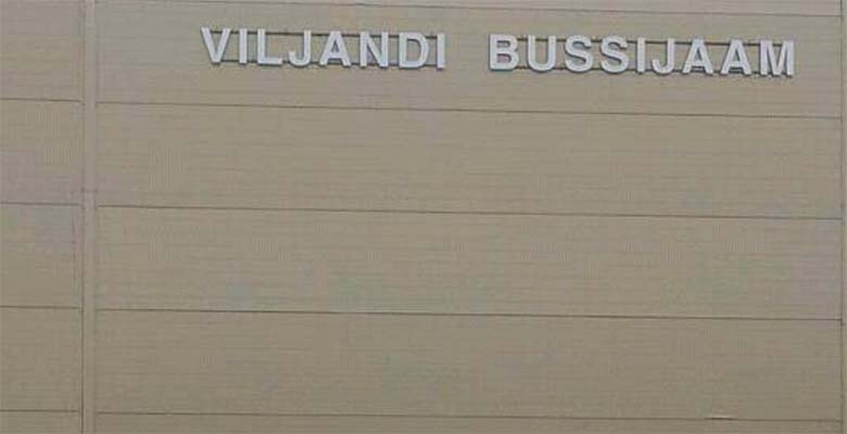 FOTO: HAHA - vaata, mis Viljandi bussijaamas toimub...