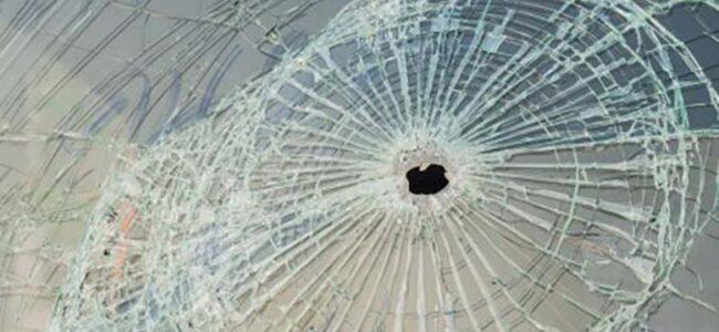 Kohtla-Järvel tulistati kahe liinibussi akendesse – ühes olid reisijad sees…