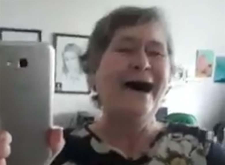 VIDEO: Haha - Viljandi vanaproua naeruteraapia