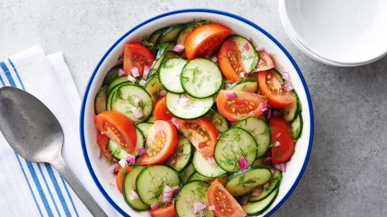 Sa ilmselt ei teadnud seda? Tomatit ja kurki ei tohiks süüa ühe salatina!