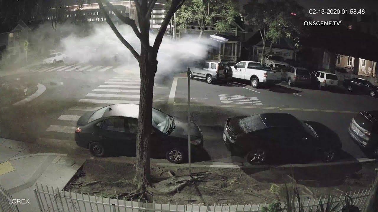VIDEO: Jõhker õhulend – Alkoholijoobes naisterahvas sõitis üle ohutussaare, mis auto pikalt lendama pani