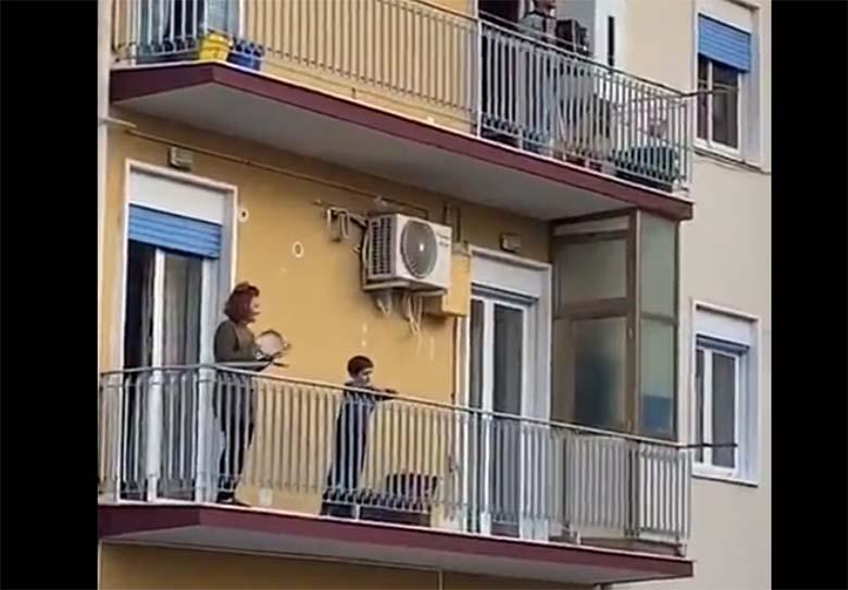 VIDEO: ERITI LAHE – Vaata, kuidas itaallased aega veedavad, kui nad koroonaviiruse pärast kodudes on