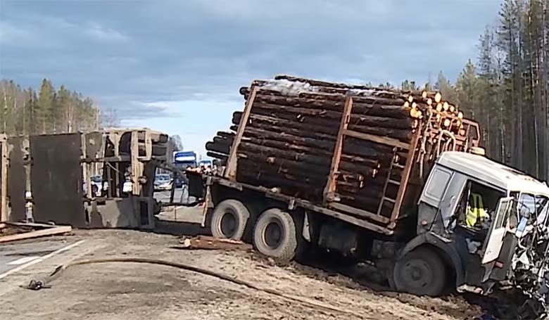 VIDEO: VÄGA julm avarii - Subaru tegi maanteel laupkokkupõrge metsaveokiga. Nõrganärvilistele keelatud!