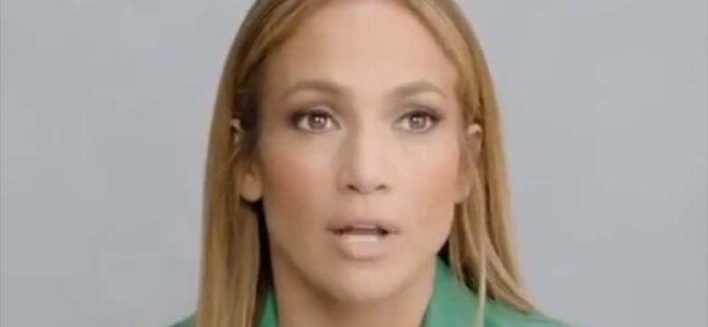 FOTO: 50-aastane Jennifer Lopez tegi vannitoas eneka – mmm, milline keha