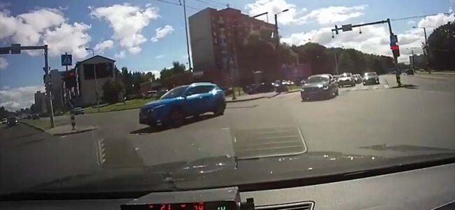 VIDEO: USKUMATU, millised uimerdised liikluses on – lihtsalt takistavad politseil sõitmist
